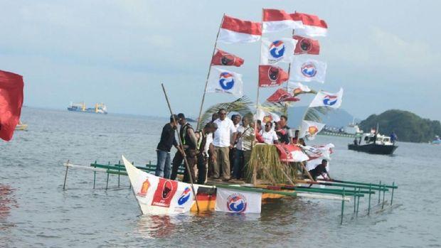 Diusung PDIP-Gerindra, John Wempi-Melkias Daftar Pilgub Papua