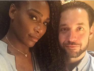 Pasangan ini terlihat sering saling memberi likes dan komentar kalau salah satu dari mereka pasang foto bersama di Instagram. (Foto: Instagram @serenawilliams)