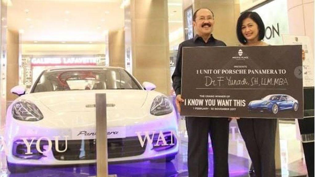 Mantan Pengacara Setya Novanto Dapat Mobil Miliaran Rupiah