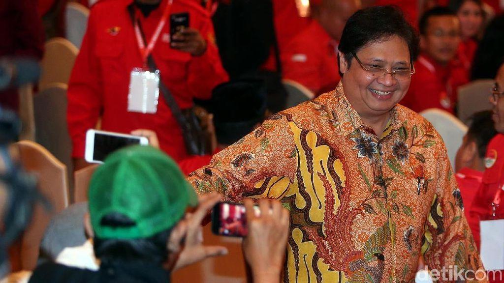 Alasan Jokowi Pertahankan Airlangga di Kabinet Kerja