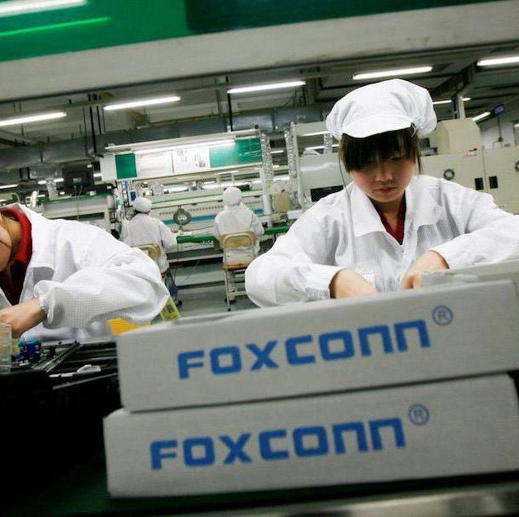 Apple dan Foxconn Dituding Langgar UU Ketenagakerjaan China