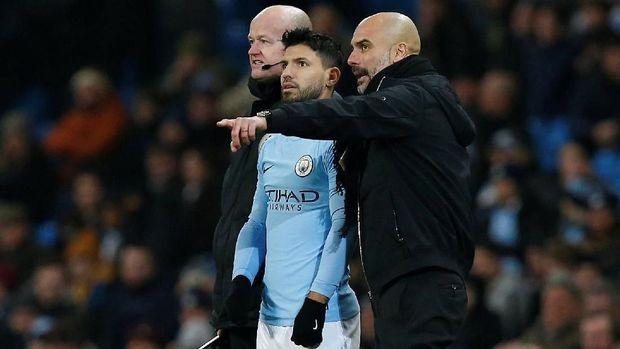 Pep Guardiola saat ini tengah menikmati kariernya menangani Manchester City. (