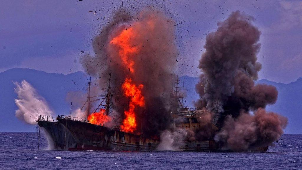 Susi Tenggelamkan Kapal Maling Ikan, Akankah Tinggal Kenangan?
