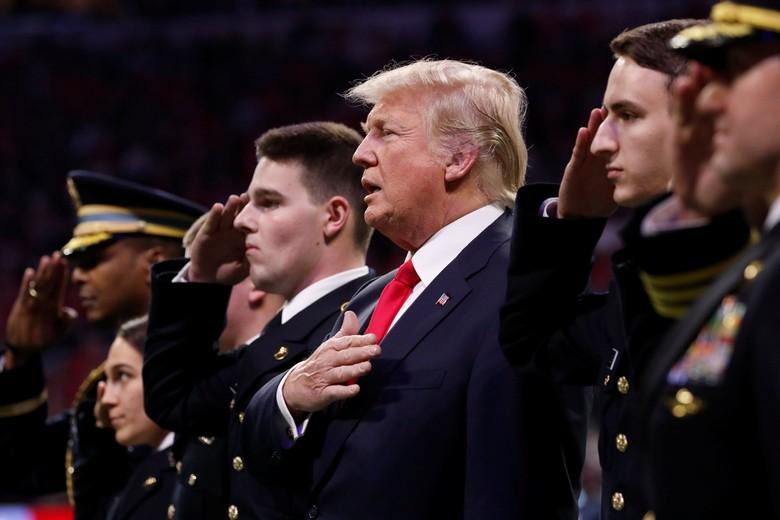 Donald Trump Tak Hafal Lagu Kebangsaan Amerika Serikat?