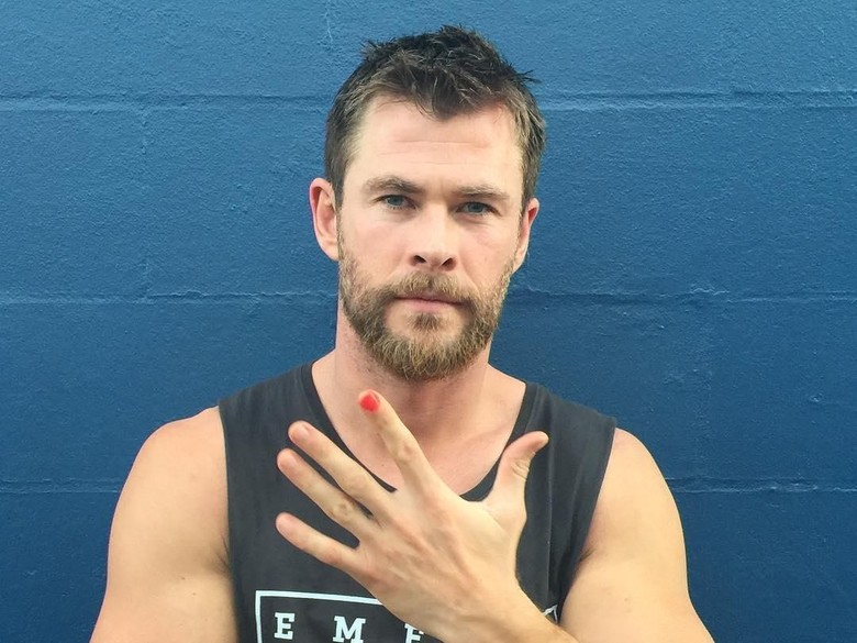 Chris Hemsworth Bergabung dalam Spinoff Men in Black?