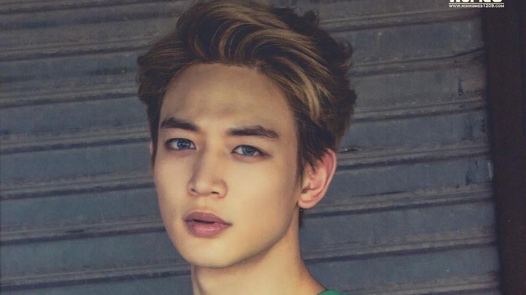 Foto: 10 Idol Tampan Korea dengan Bentuk Wajah Paling Sempurna