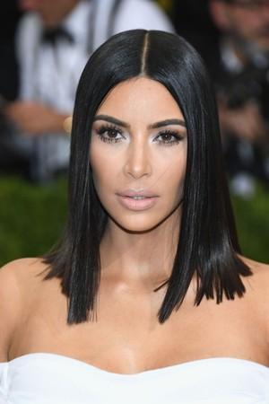 Drama Baru! Kim Kardashian Vs Lindsay Lohan di Instagram
