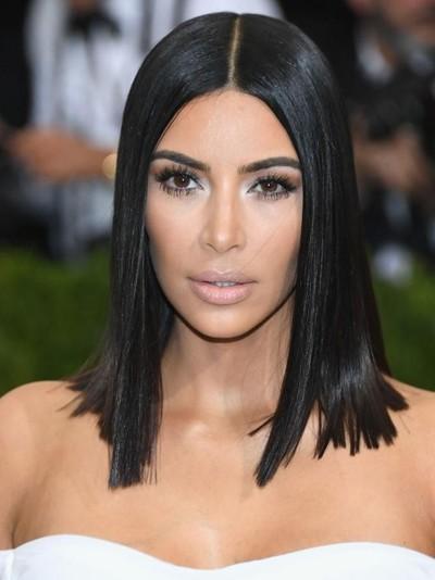 Kim Kardashian dituding jiplak bentuk botol parfum desainer Jean Paul Gaultier. Foto: Getty Images