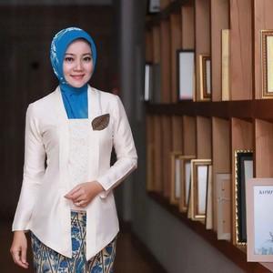 Tutorial Hijab Ala Bu Cinta Atalia Kamil