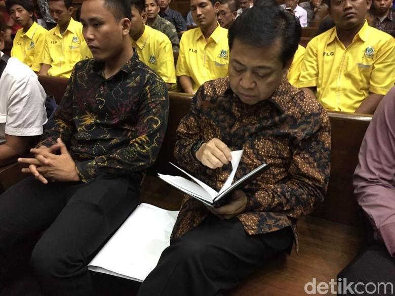 Buku Hitam dan Niat Novanto Ungkap Nama Besar di Kasus e-KTP