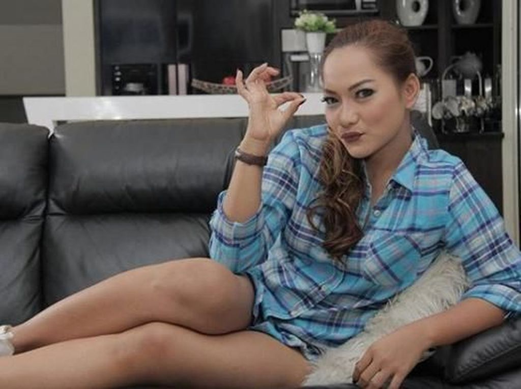 Frontalnya Jenny Cortez, Sebut Para Artis Pamer Saldo ATM Kampungan
