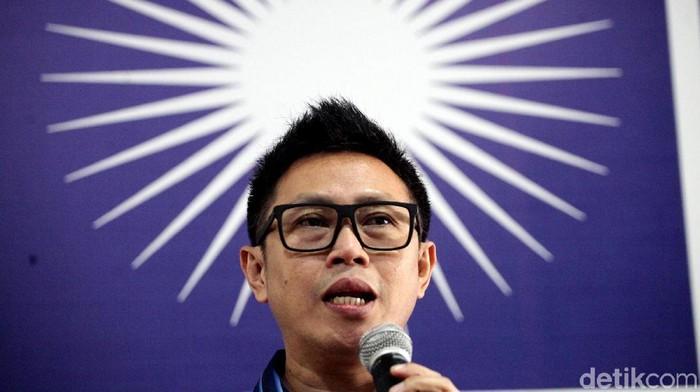 Ketua Dewan Pimpinan Wilayah PAN DKI Jakarta Eko Hendro Purnomo memberikan pemaparan mengenai pembukaan pendaftaraan bakal calon legislatif.