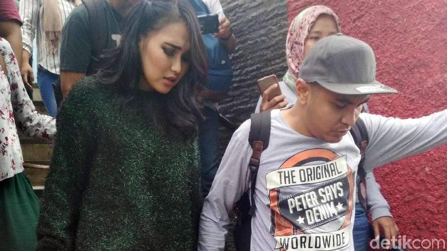 Para Bintang Porno yang Meninggal hingga Liam Gallagher Konser di Jakarta