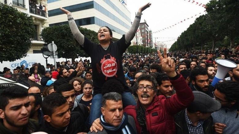 Aksi Protes Kenaikan Harga Pangan di Tunisia Mulai Diwarnai Penjarahan