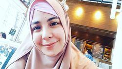 Risty Tagor Tegaskan Suaminya Bukan dari Kalangan Ustaz