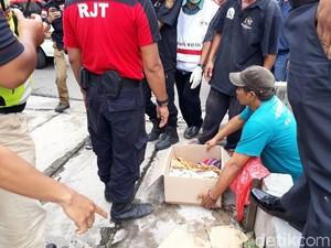 Sesosok Bayi Ditemukan Warga Mengapung di Sungai Kota Malang