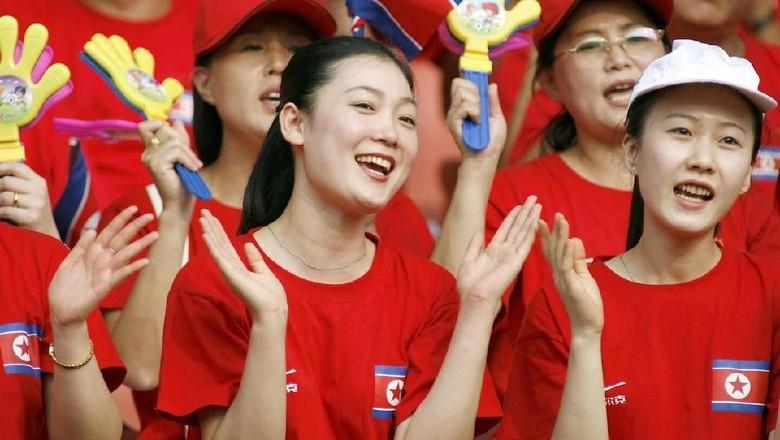 Para cheerleader Korea Utara yang cantik dan manis (AFP)