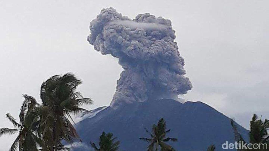 BPS: Jika Gunung Agung Tak Meletus, Kunjungan Wisman Meningkat