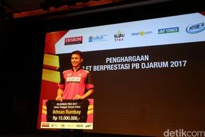 Atlet Berprestasi PB Djarum Terima Penghargaan