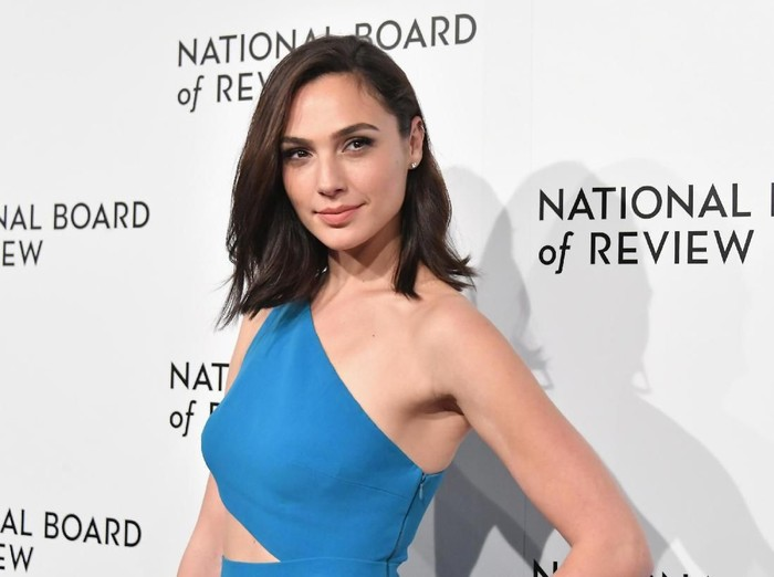 NEW YORK, NY - JANUARY 09:  Actor Gal Gadot attends the 2018 The National Board Of Review Annual Awards Gala at Cipriani 42nd Street on January 9, 2018 in New York City.  (Photo by Mike Coppola/Getty Images)