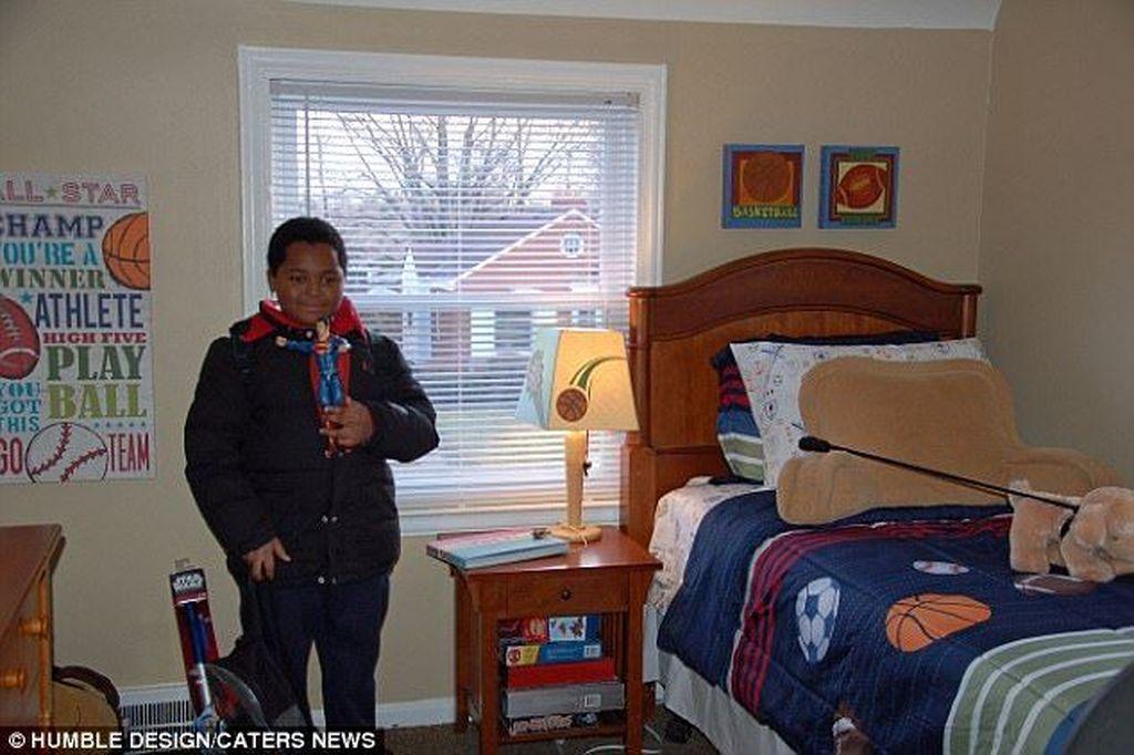 Daeyers demikian nama anak itu bersama sang ibu (Detroit) yangsebelumnya gelandangan,akhirnya bisa menetap di rumah yang disediakan oleh pemerintah di daerah Michigan, Amerika Serikat. (Foto: Dailymail)