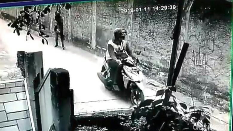 Polisi Kantongi Identitas Pemotor yang Remas Payudara di Depok