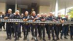 Foto: Satpam Kantor Facebook yang Berpeci untuk Sambut Massa FPI