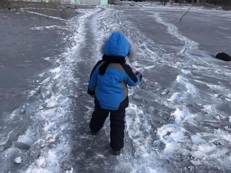 Aneh, Kota di Kazakhstan Malah Diselimuti Salju Hitam
