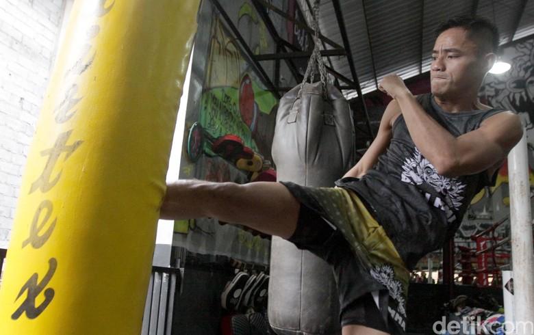 Petarung Indonesia Stefer Rahardian Digembleng di Bali