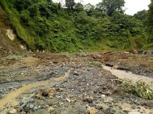 Tebing di Blitar Longsor, Dua Penambang Pasir Terluka