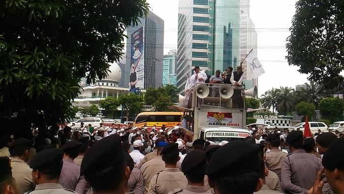Suasana aksi. Foto: Samsudhuha Wildansyah/detikcom
