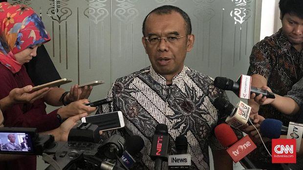 Gatot S Dewa Broto berharap Taufik Hidayat tidak memiliki persoalan dengan KPK.