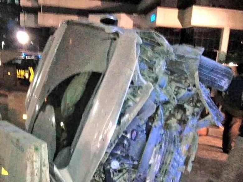 Kecelakaan di Jalan Sudirman, Alphard Ringsek