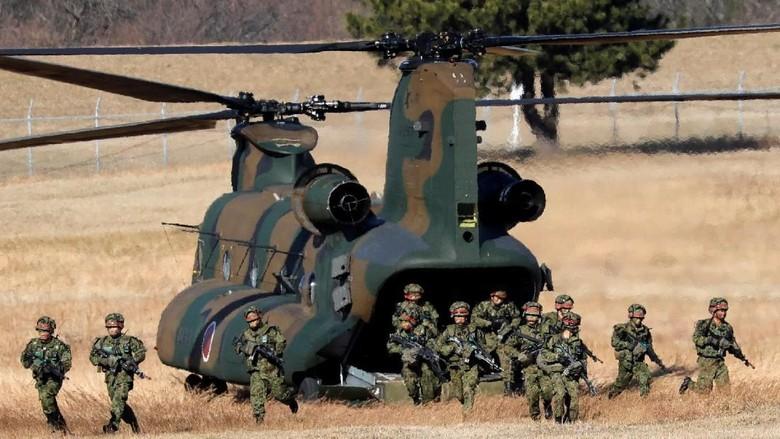 Foto: Melihat Latihan Awal Tahun Tentara Jepang di Chiba