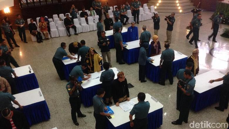 KSAL Pimpin Penandatanganan Kontrak Barang dan Jasa TNI AL 2018