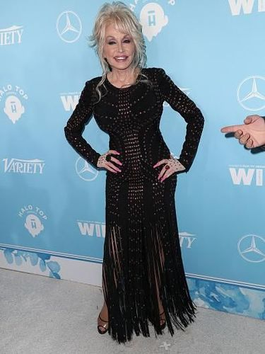 WEST HOLLYWOOD, CA - SEPTEMBER 15:  Dolly Parton attends the Variety and Women In Film's 2017 Pre-Emmy Celebration at Gracias Madre on September 15, 2017 in West Hollywood, California.  (Photo by Frederick M. Brown/Getty Images)