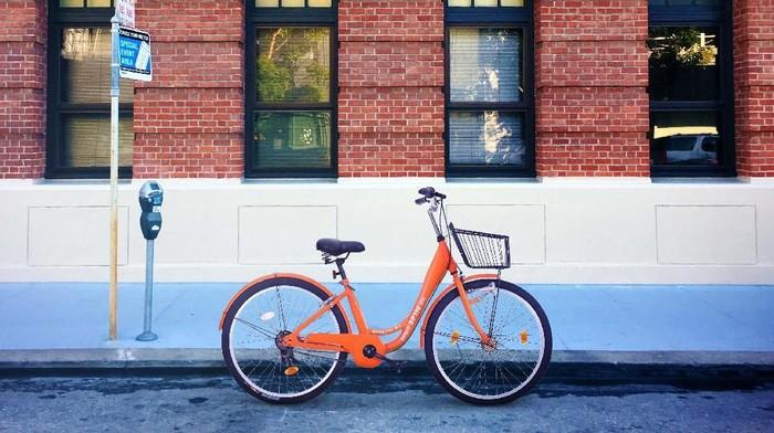 Perusahaan yang berbasis di San Francisco, Amerika Serikat, Spin, membuat sepeda bertenaga listrik. Sepeda itu diklaim bisa berjalan sejauh 80 km dalam sekali charge.