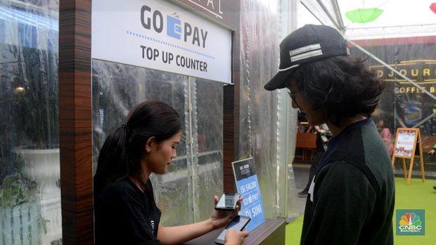 Siapa di Balik Kejayaan OVO dan Go-Pay?
