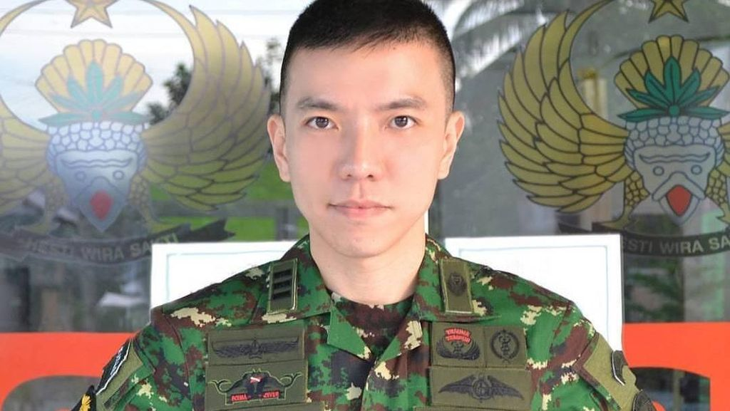 Gantengnya Mirip Aktor Korea, Foto Dokter Tentara Indonesia Ini Viral
