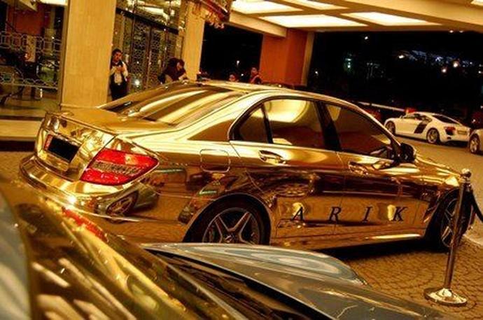 Ribuan Koleksi Mobil Sultan Brunei, Ini Mobil Terbaiknya