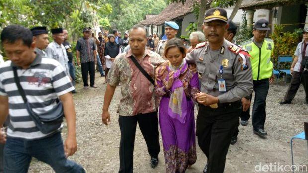 Polisi juga amankan Dwi Wahyuni/