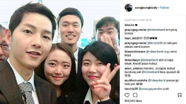 Kocak! Postingan Ridwan Kamil Ini Kecoh Penggemar Song Joong Ki