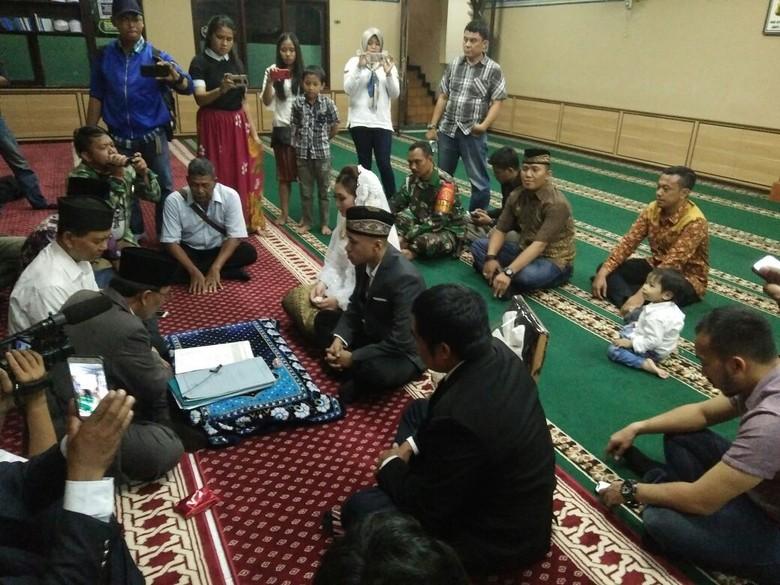 Tahanan Kasus Narkoba Ini Menikah di Masjid Polres Jakarta Barat