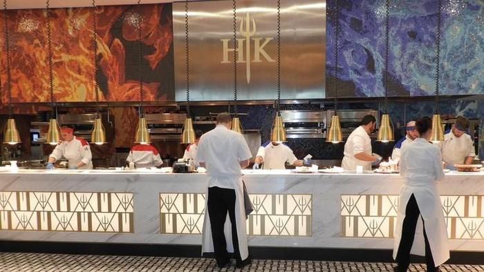 Wow! Belum Dibuka, Restoran Hell's Kitchen Milik Gordon Ramsay Sudah Terima  12.000 Reservasi