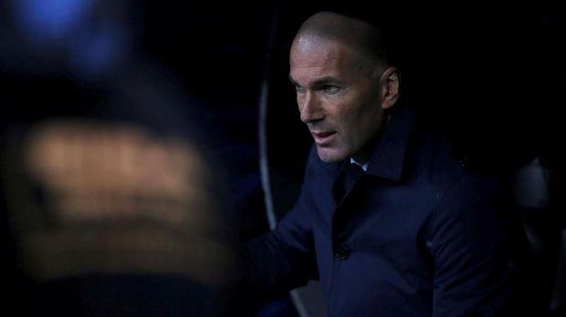 Zinedine Zidane memilih hengkang dari Real Madrid dan saat ini belum mendapatkan klub. (