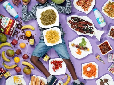 Sedangkan Frank Fadel Agbomenou yang berusia 8 tahun dari Dakar, Senegal, makan makanan ini selama sepekan. (Foto: Gregg Segal Via Time Magazine)