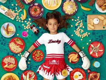 Selama seminggu, ini yang dimakan gadis cilik bernama Rosalie Durand dari Nice, Prancis. (Foto: Gregg Segal Via Time Magazine)