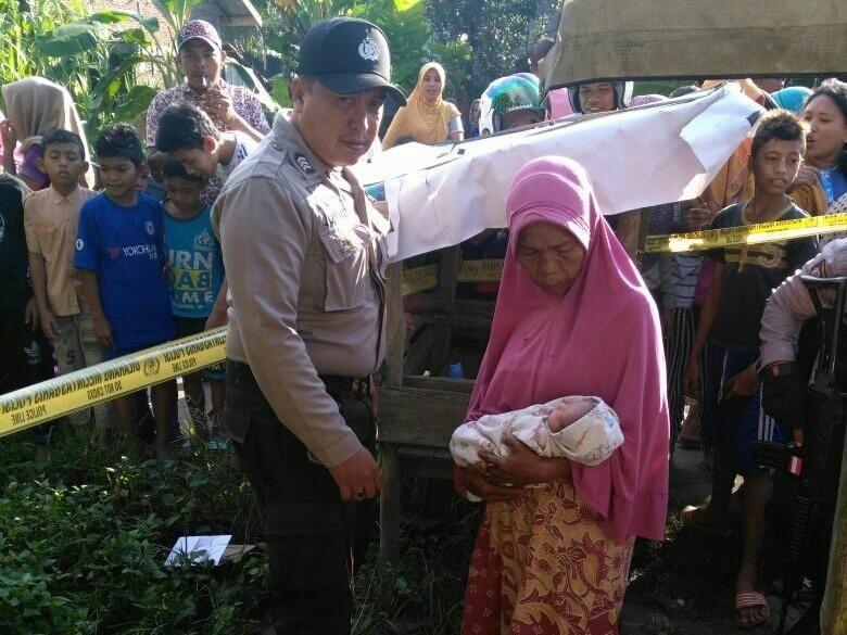 Bayi Perempuan Ditemukan Dalam Kardus Depan Kios di Lhokseumawe