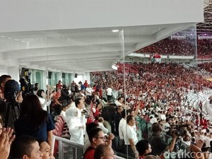 Kegembiraan Jokowi saat Timnas Indonesia Cetak Gol ke Islandia
