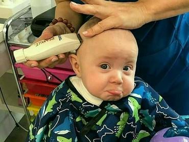 Aduh, kok sedih banget, Nak, ekspresinya? (Foto: Instagram @cute.babies_)